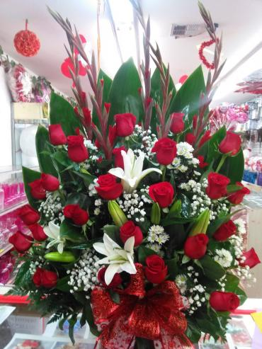 Basket 24 Red Roses